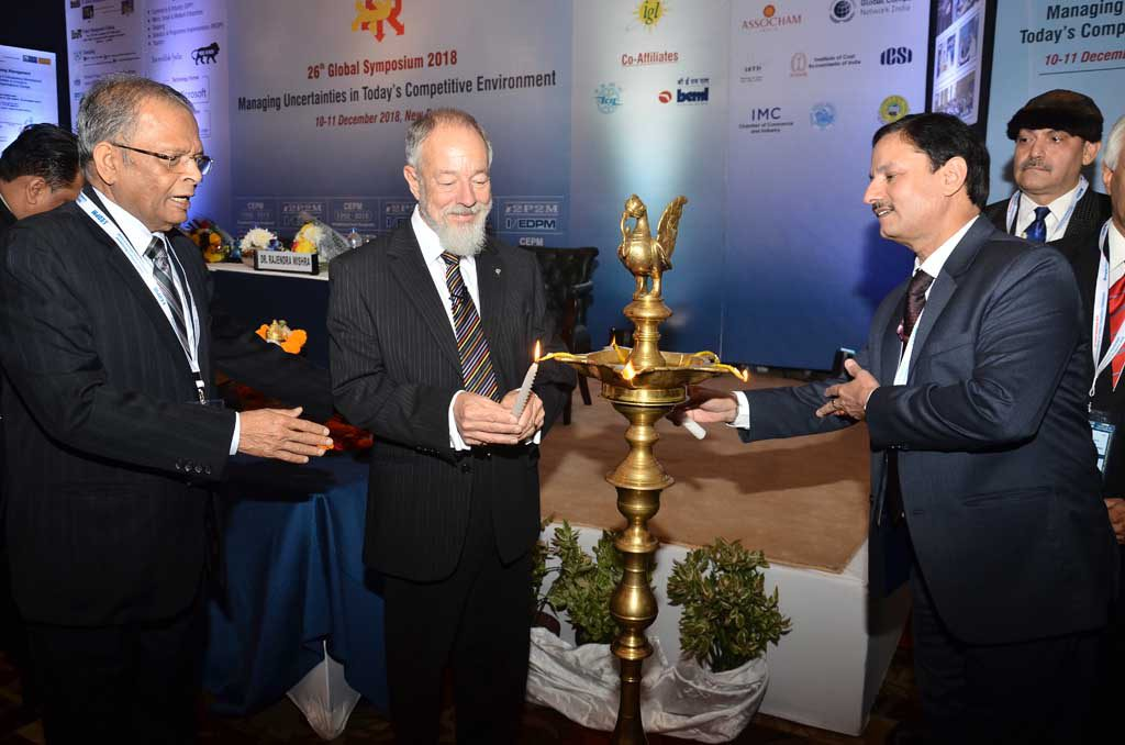 Lighting of the inaugural Lamp - From L to R: Adesh Jain, Symposium Director, Dr. Hillman & Mr. Alkesh Sharma, CEO & MD, DMICDC - 26th Global Symposium 2018